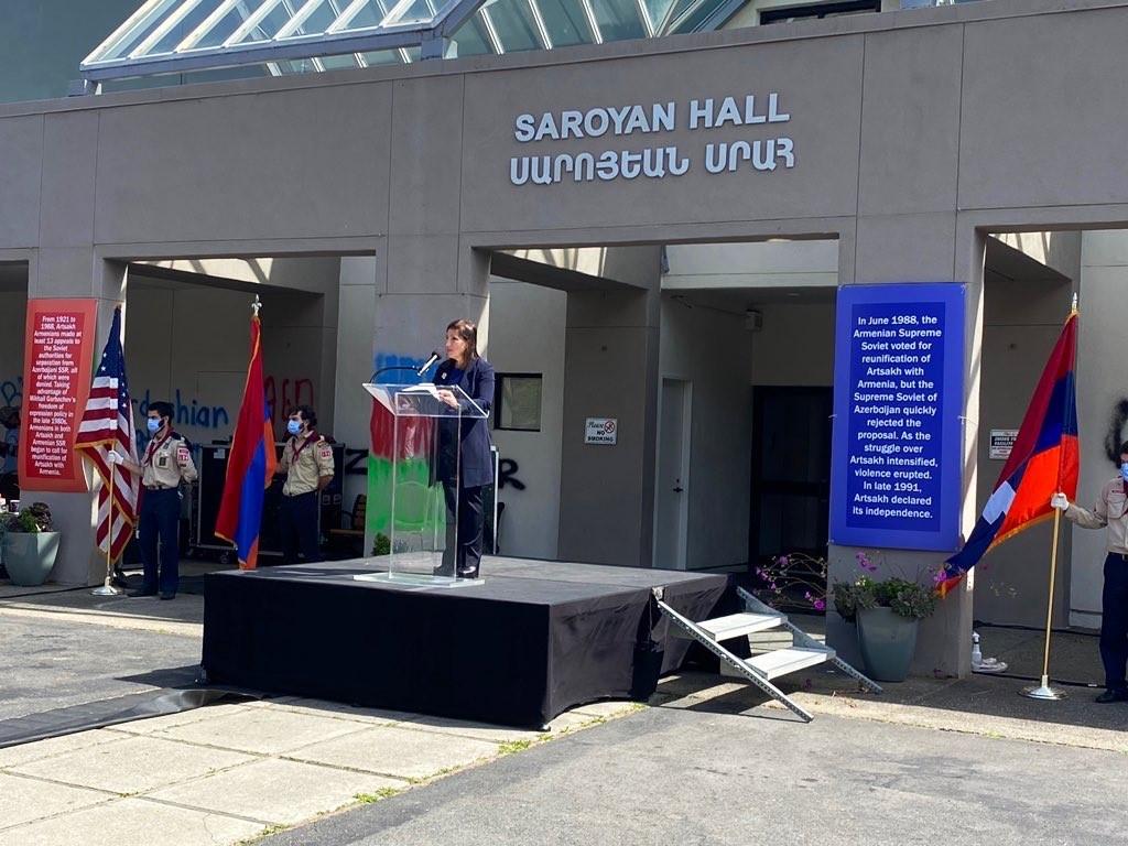 Image of Lt. Governor Kounalakis Speaking